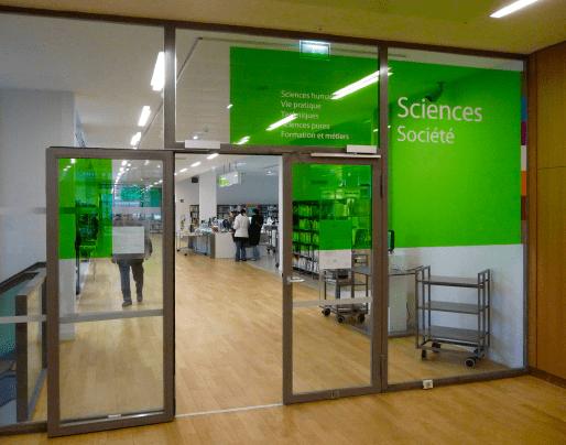 Entrée du pôle Sciences & société de la médiathèque