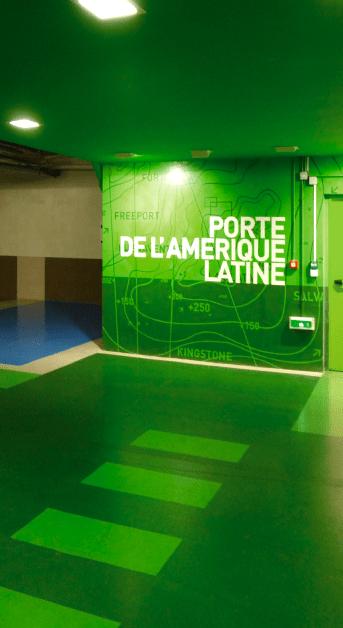 Zoom sur une sortie piétons (Porte de l'Amérique Latine)