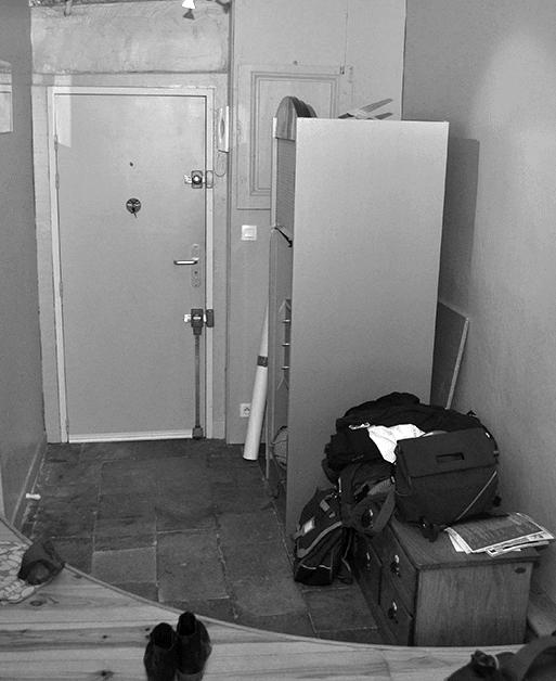 Vue de l'entrée de l'appartement avant travaux