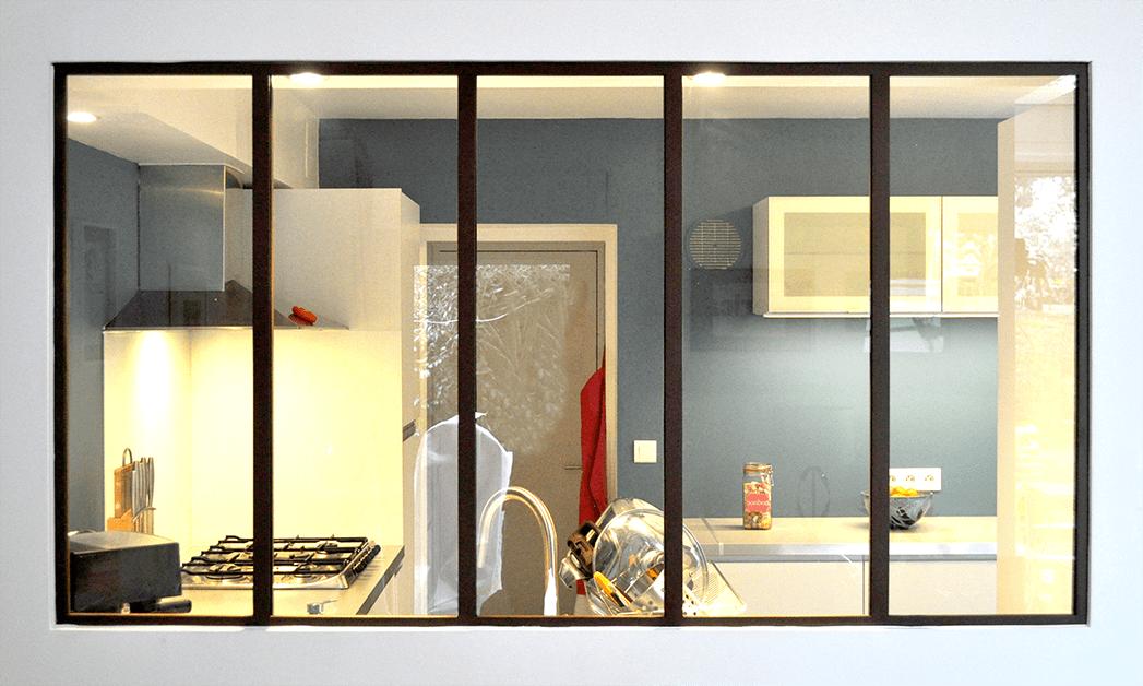 Maison cm design espace par simon pointillart design for Verriere entre cuisine et salle a manger